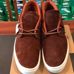 Men's Size 11 Sneakers Clear Weather